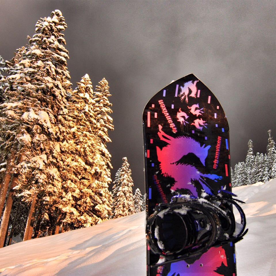 UrbanVixen MysticNight Snowboard